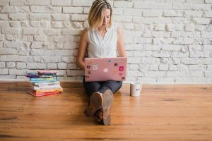 Make Money Online as Freelance Writers for Web Content